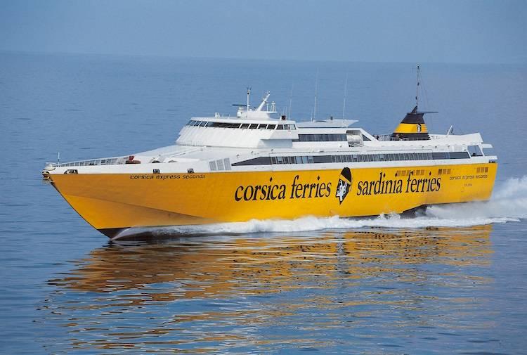 La Freccia gialla salpa direzione Isola d'Elba