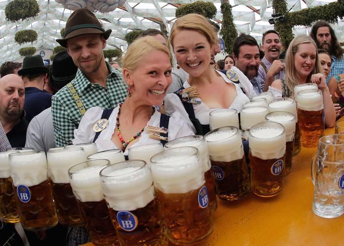 L'Oktoberfest torna nei parchi divertimento d'Italia