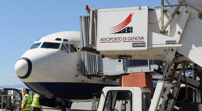 Una boutique airline in volo da Genova
